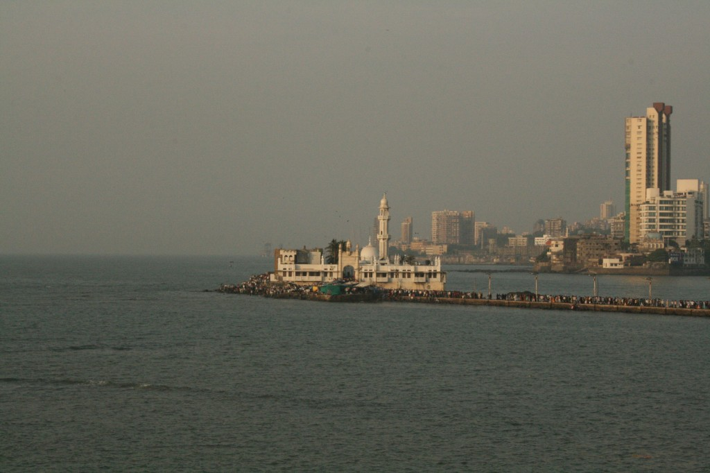 a mosque in the bay
