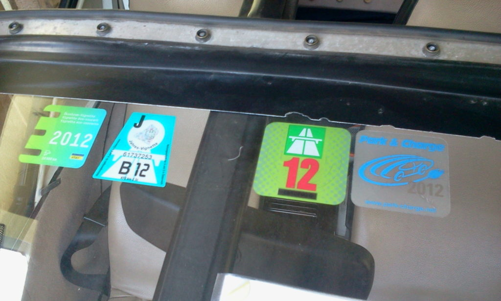 leftmost sticker ensures 100% co2-free charging wherever i am