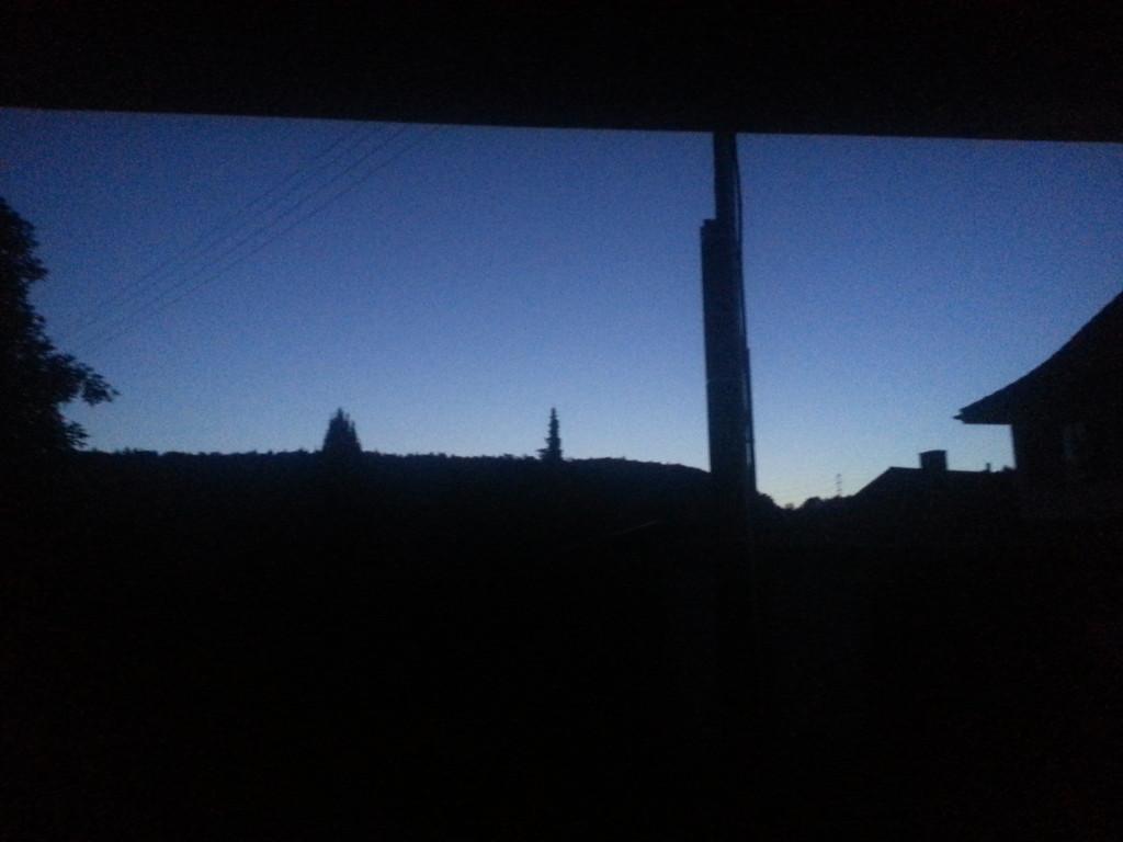 4:40am first light on the horzion