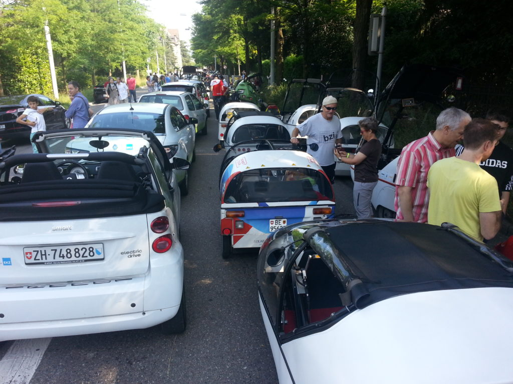 first electric car traffic jam