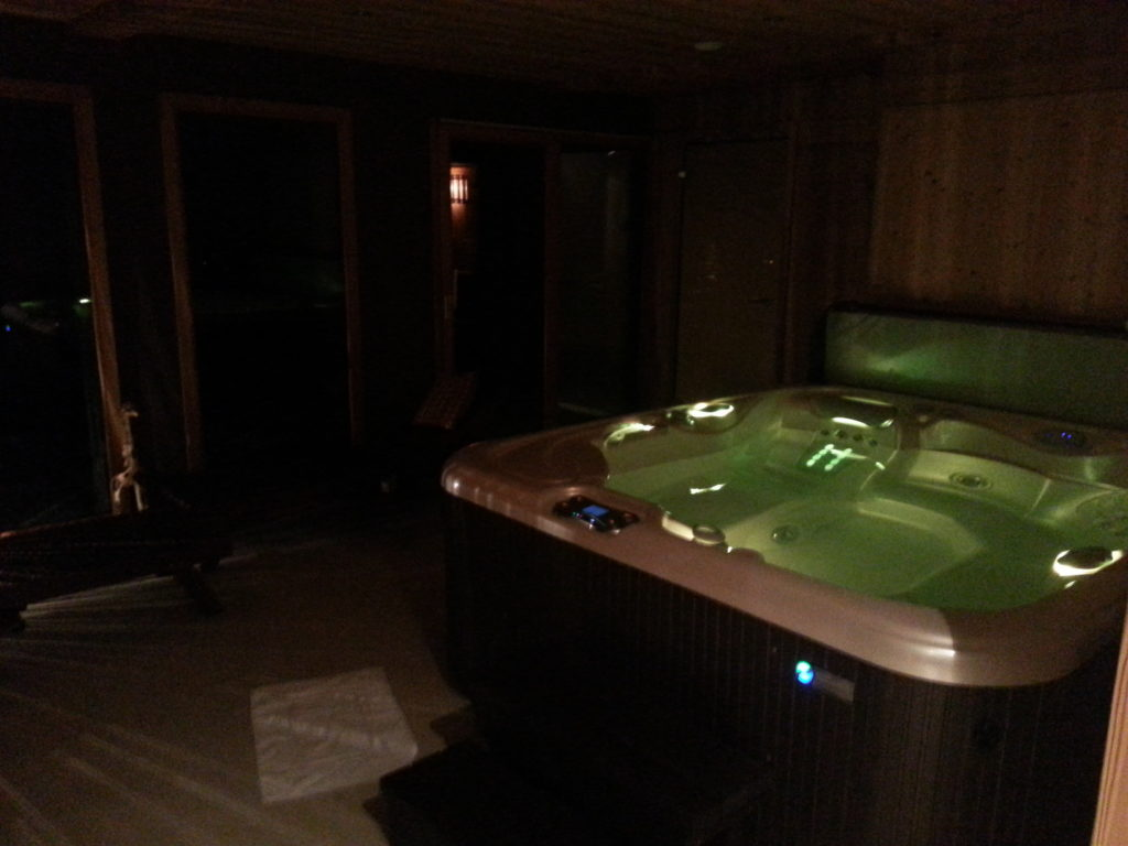 sauna, hammam and jacuzzi waiting for me