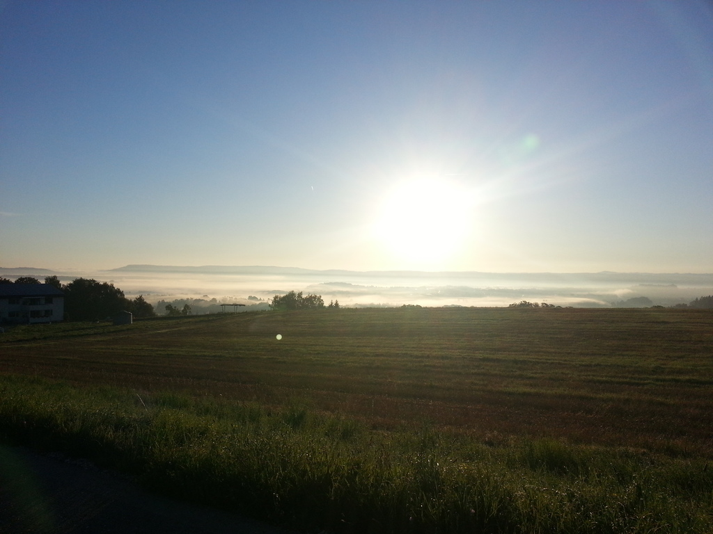 we finally leave the fog behind us - it promises to be a very, very nice day!