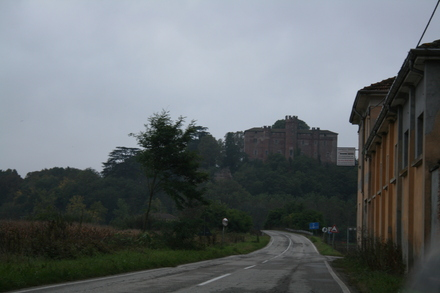 a first little hill - finally, we've crossed the pianura!