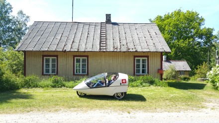small house, small vehicle