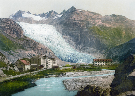 Rhone Glacier around 1900 (with flüela road visible, wikipedia)