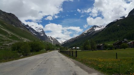 Col d'iseran is beckoning