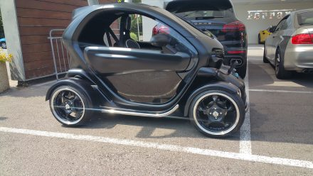 Wow: A de-luxe version of a Twizy!