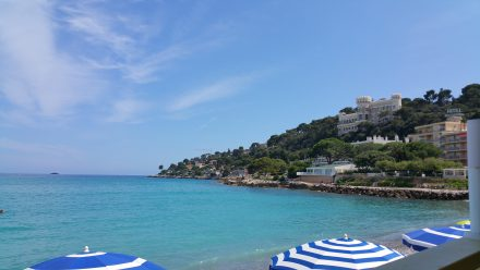 View from restaurant: Turquoise sea, 27°C, Life is good.