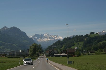 Ahh. The alps are coming closer!