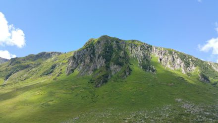 Unusually green above 1900m alt