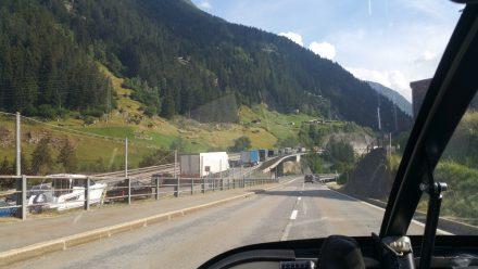 10km of traffic jam going towards the Gotthard tunnel