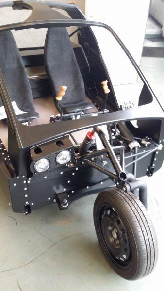 Sturdy components and huge windscreen