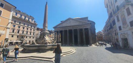 Rome, Panteon - my kids plus just a handful of people