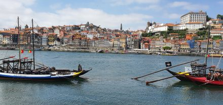 Postcard picture of Porto's old town