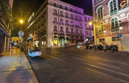 Tokyo night style photo of TW560 in Lisbon